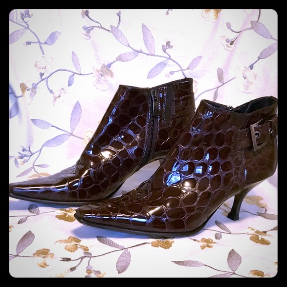 Donald J Pilner  booties in Brown Patton leather